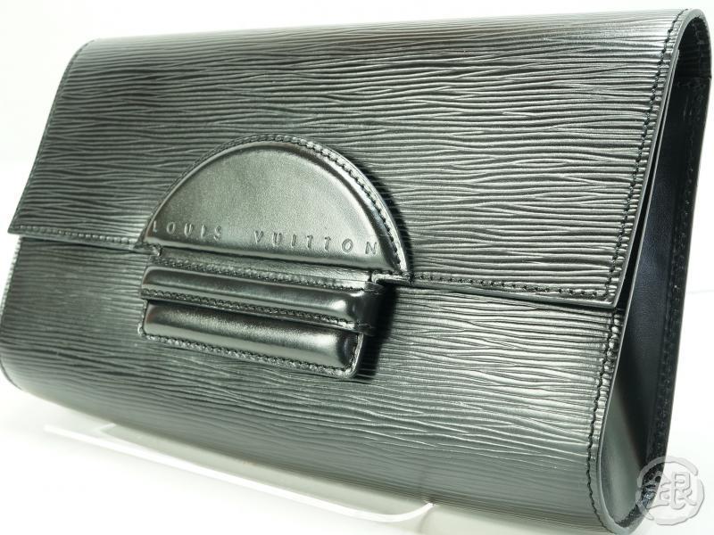 3a8c58204213 AUTH PRE-OWNED LOUIS VUITTON LV EPI BLACK POCHETTE CHAILLOT CLUTCH BAG